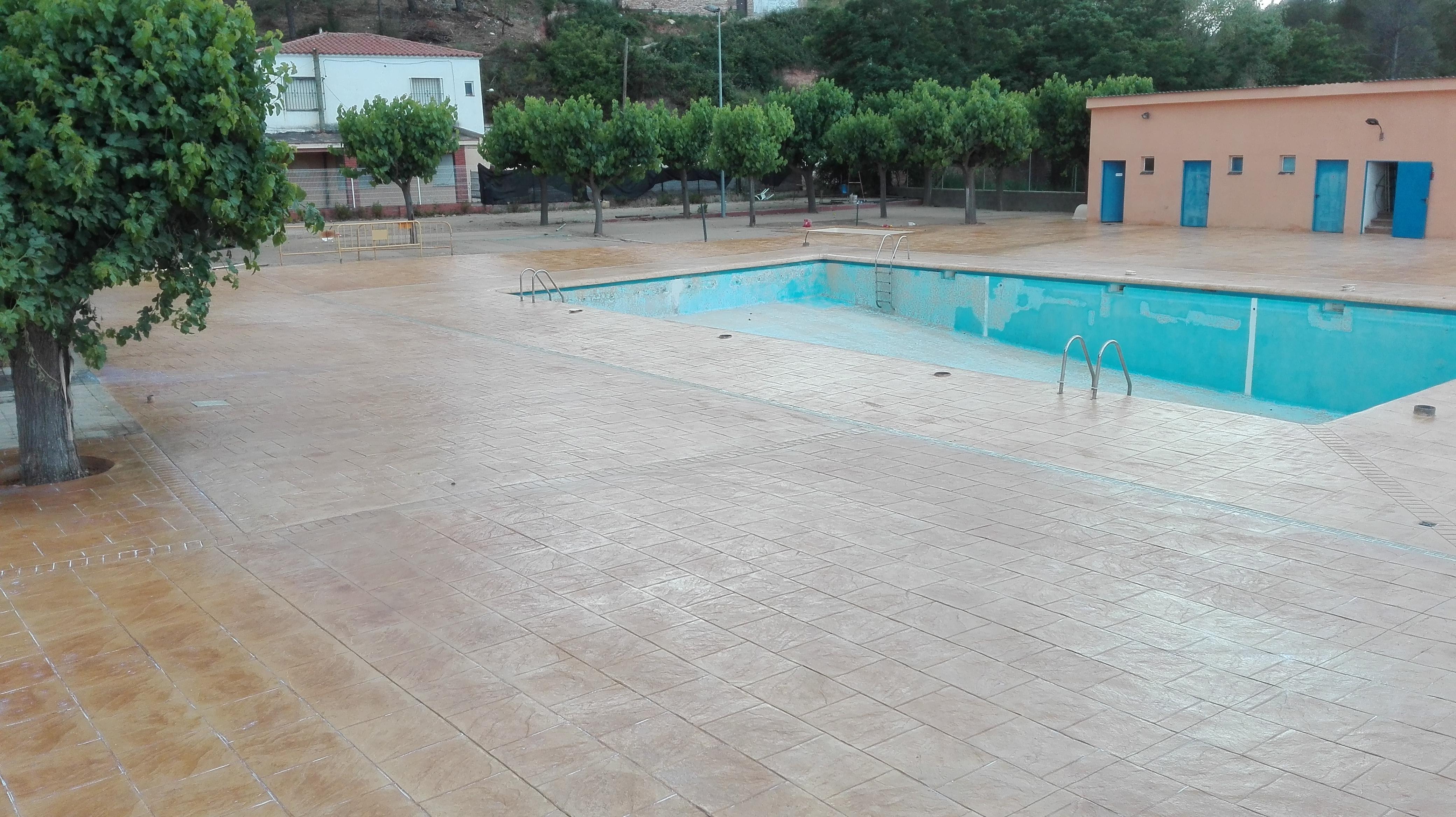Hormigon impreso para piscinas remate con hormign impreso for Hormigon impreso badajoz