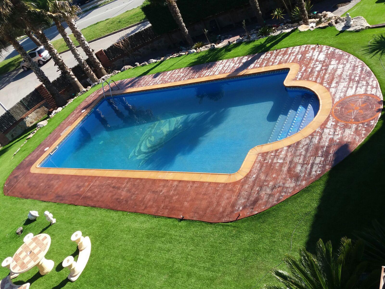 Piscina de hormig n impreso hormigon impreso barcelona for Hormigon impreso para piscinas